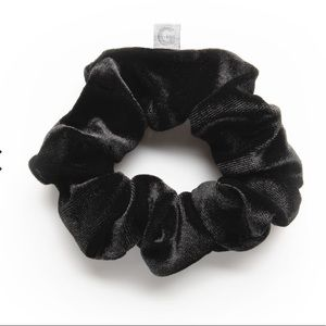 GIMME BEAUTY I I Hair Scrunchie Black Velour